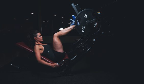 Jak trenować i jak jeść by zbudować masę mięśniową