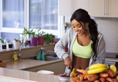 Dlaczego słodkie owoce najlepiej jeść do południa ?
